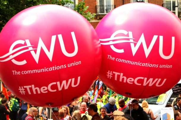 Britain: communications workers vote unanimously for clause four
