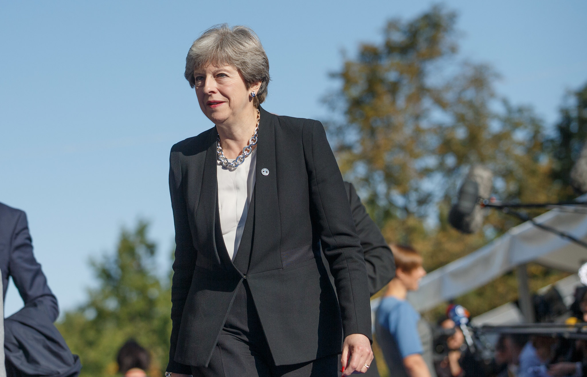 Britain: Theresa May resignation – let's kick out the rest of the Tories!